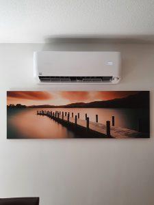 02 Neue Remko Klimaanlage im Wohnzimmer - Altbau in 64646 Heppenheim